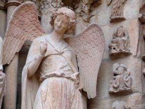 ange au sourire Reims